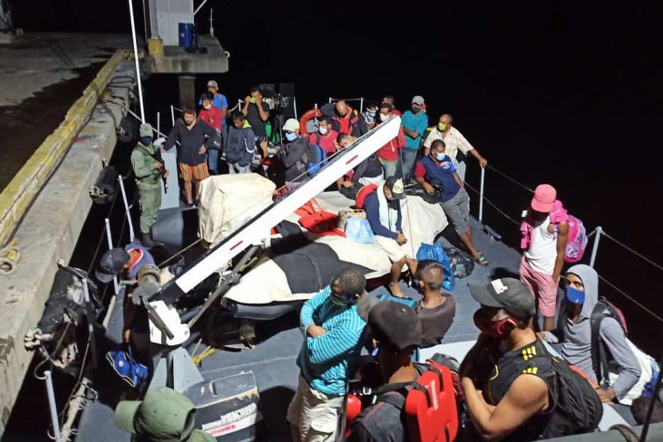 Detienen embarcación antes de salir a Trinidad y Tobago