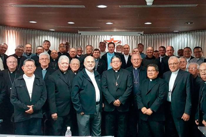Hablan los obispos justicia, libertad y paz...,
