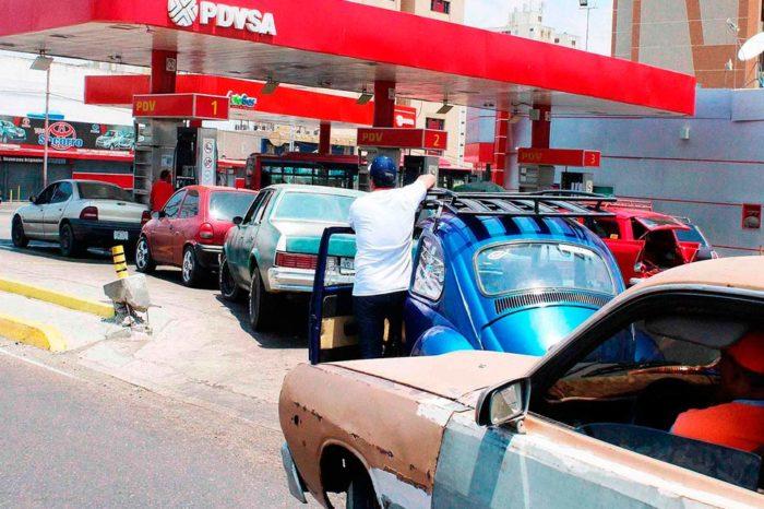 Transporte a gasolina en Venezuela Táchira