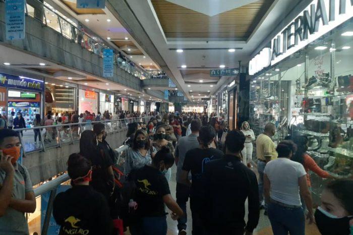 Centros comerciales flexibilización Maduro semana flexible