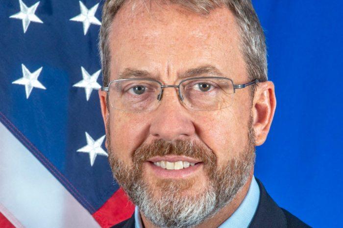 James_B._Story_ EEUU embajador Venezuela ayuda
