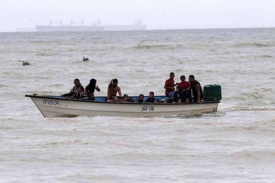 Encuentran ahogados a migrantes venezolanos que iban en peñero a Trinidad y Tobago