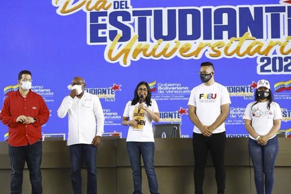 Delcy Rodríguez universidades