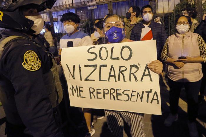 PERÚ - PROTESTAS - presidente