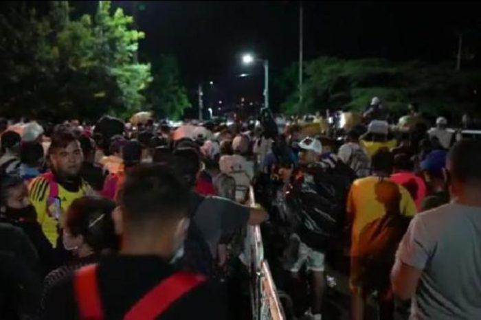 Venezolanos cruzaron por trocha a Colombia y exigían regresar por el puente Simón Bolívar