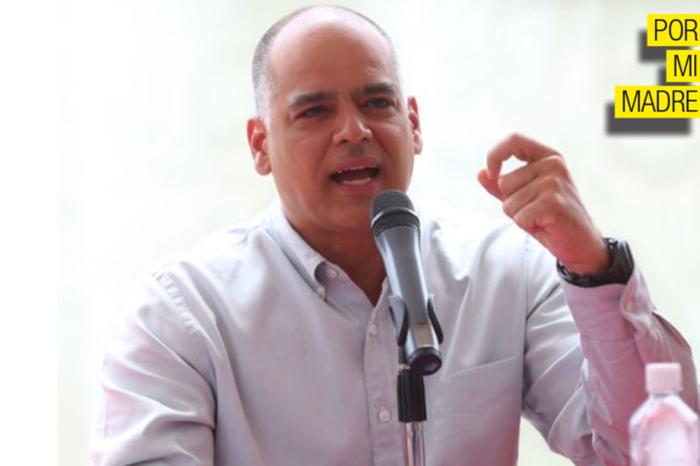 """Andrés Izarra y su """"despecho"""" por el exilio venezolano"""