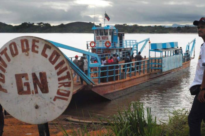 En puestos de control fluvial de Amazonas, Guardia Nacional decomisa comida y gasolina