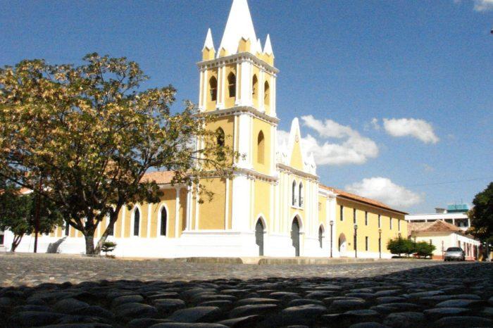 Iglesia_de_San_Francisco_en_Coro-falcón