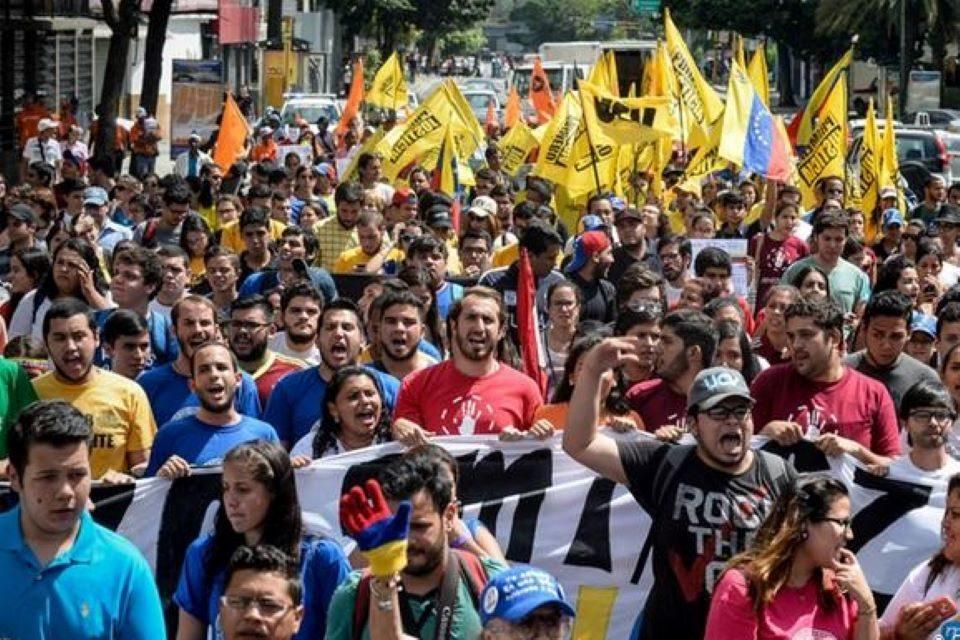 ¿Con quién plantear la unidad?, por Manuel Figueroa