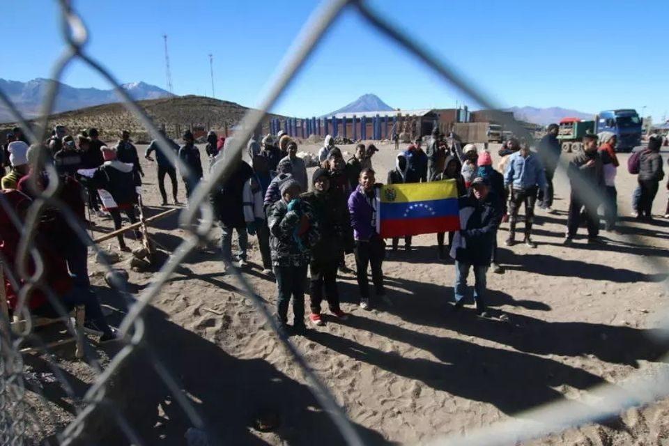 Frontera entre Chile y Bolivia - migrantes venezolanos