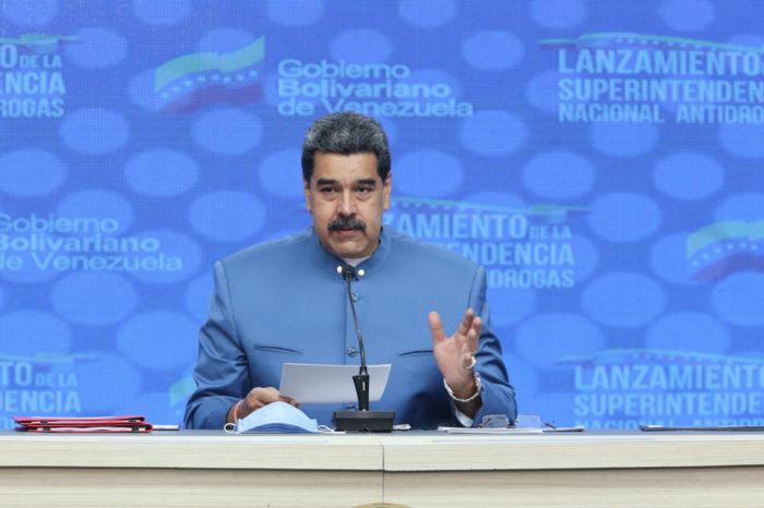 Maduro advirtió a Duque estar preparado para defender el país con las armas