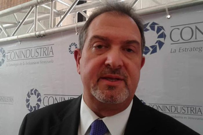 Conindustria rechaza que Gobierno no autorice importaciones privadas de gasoil desde Colombia