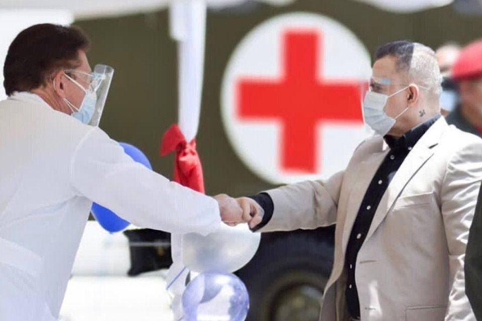 Donan insumos al hospital militar