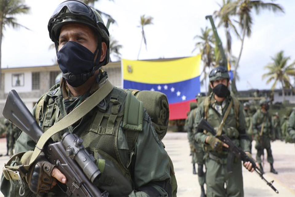 FAN mueve a la milicia a Apure pero los jefes castrenses se quedan en Caracas