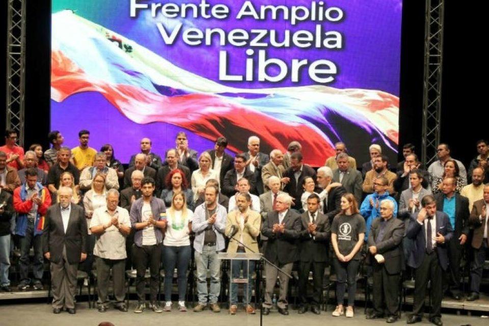Entre dictaduras Frente Amplio