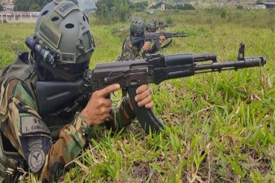 militares Apure