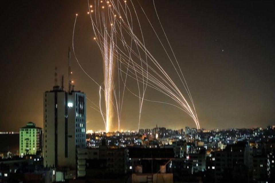 Hamás e Israel siguen intercambiando ataques con misiles