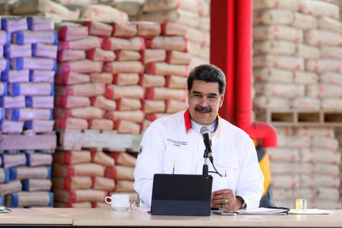 Nicolás Maduro insiste con el petro