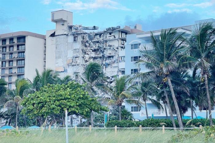 Se derrumba parcialmente un edificio de 12 pisos en Miami