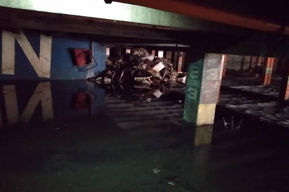 Inundado sótano de Parque Central