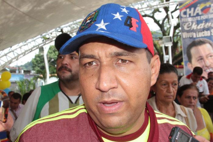 Alcalde tachirense ofrece vacunas a jefes de UBCH