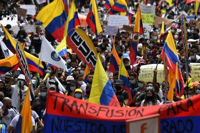 Un punto de inflexión para la democracia colombiana Colombia