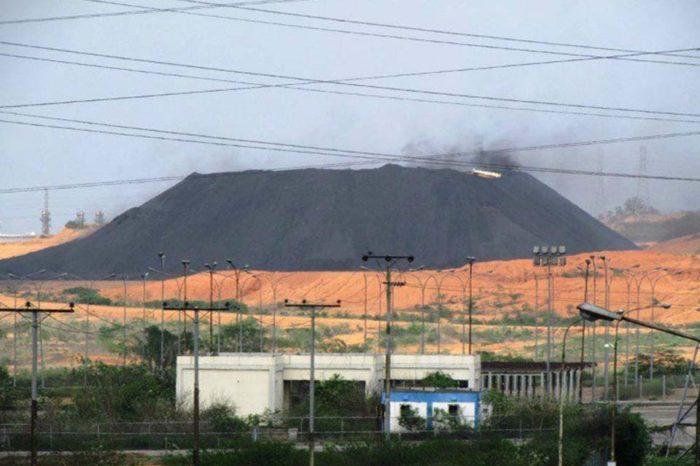 Montaña de coque en Jose
