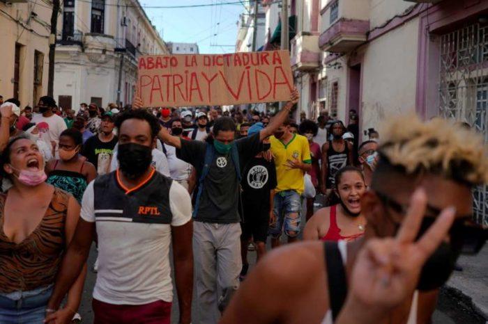 Cuba, posibilidades y peligros redes sociales