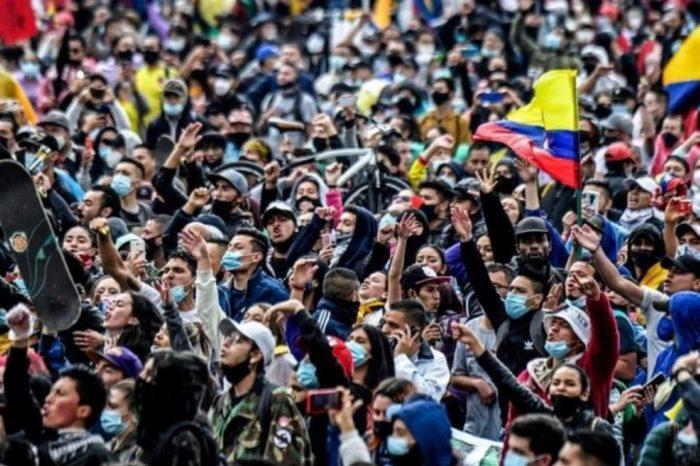 """Una Latinoamérica perdidamente """"bananera"""""""