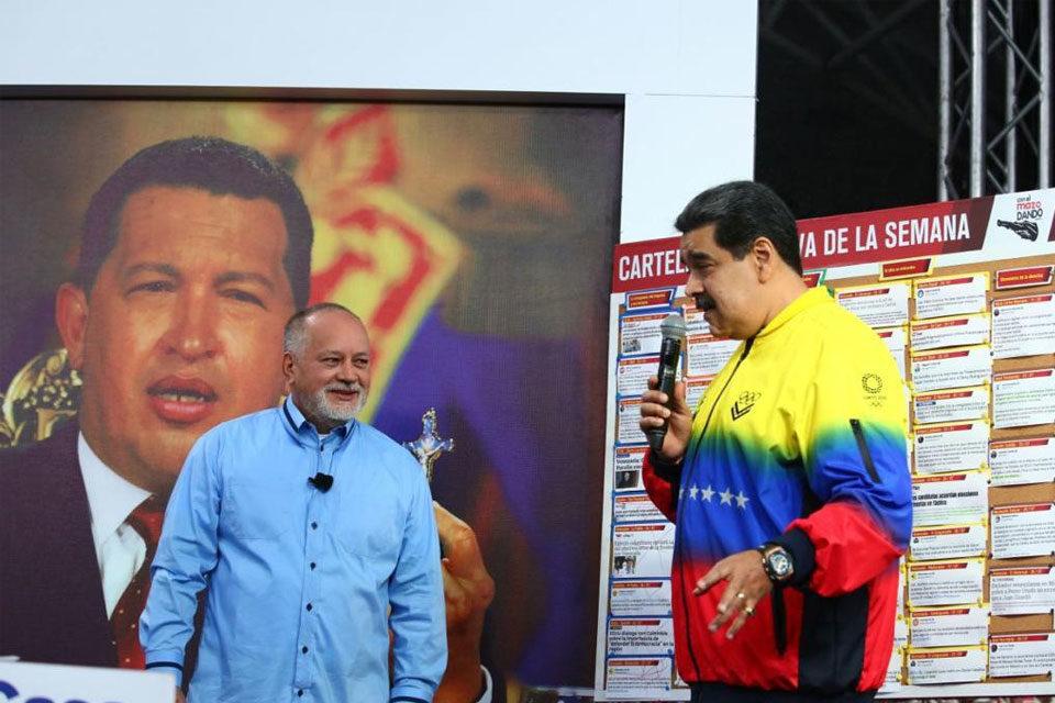 Nicolás Maduro participó en Con El Mazo Dando