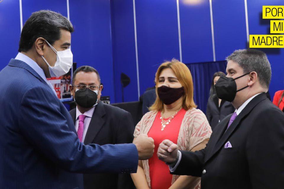 Maduro Correa Por Mi Madre