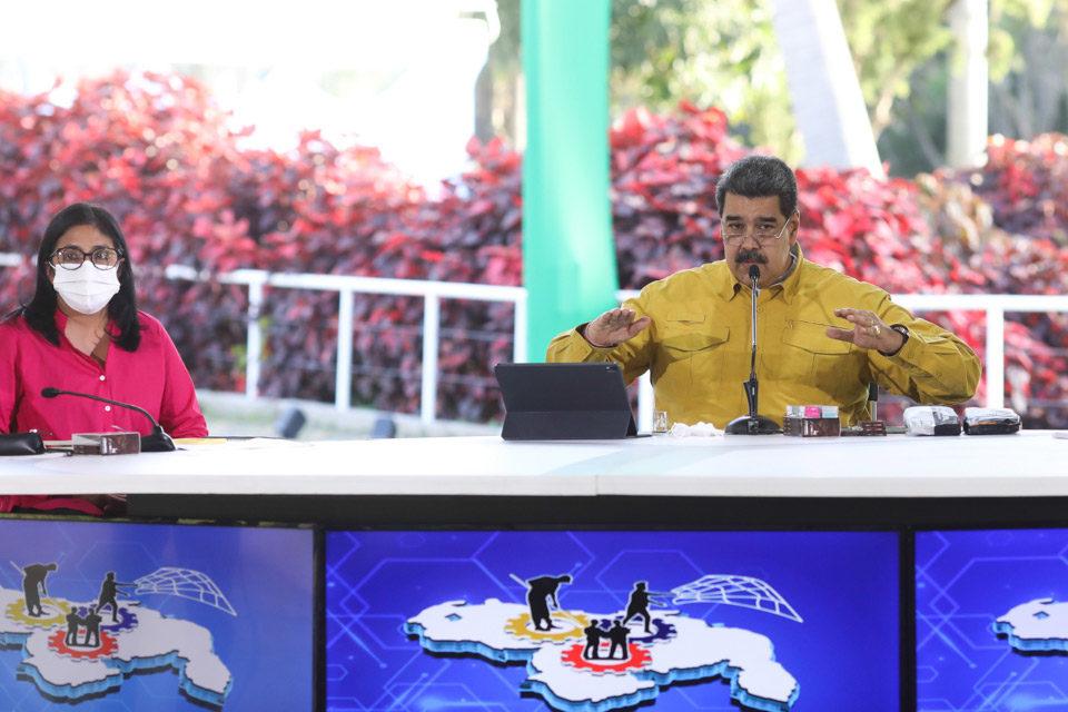Maduro fustiga a Pietro Parolín por carta enviada a Fedecámaras