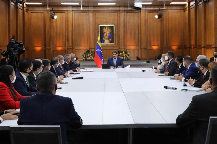 Reunión de Maduro con la comisión de paz y diálogo