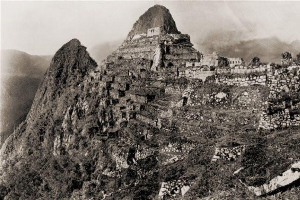 """El """"descubrimiento"""" de Machu Picchu y el duelo de relatos"""