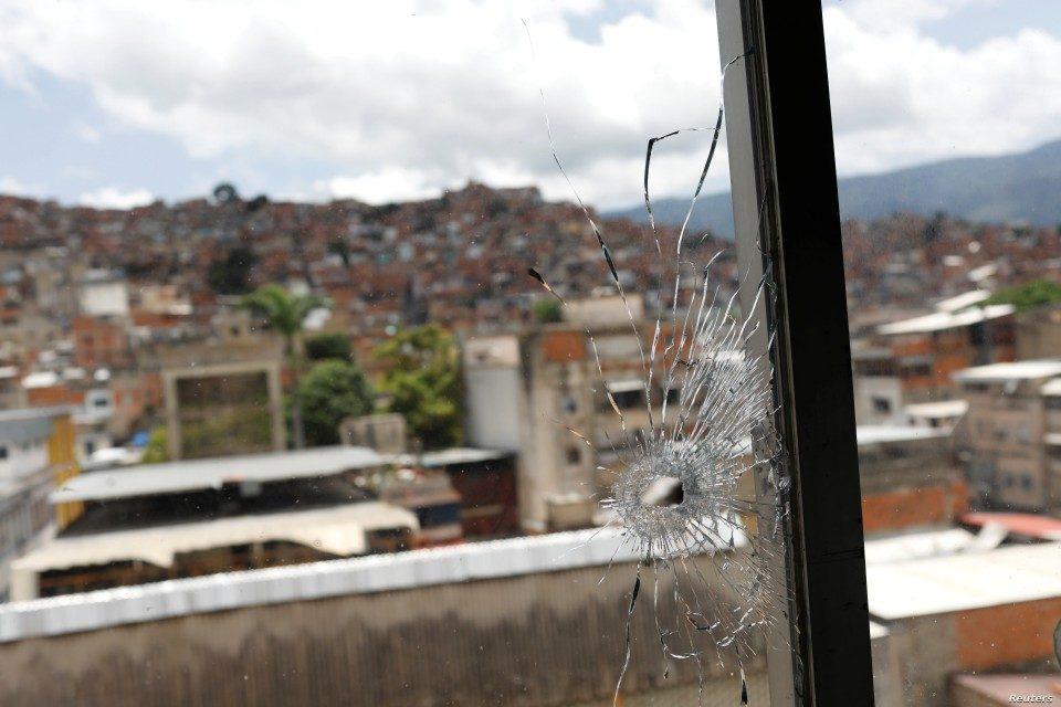 dolarizacion conducta criminal Venezuela VOA cota 905