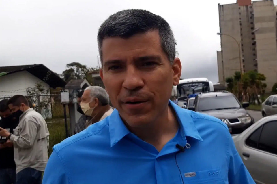David Uzcátegui exige primarias a Carlos Ocariz