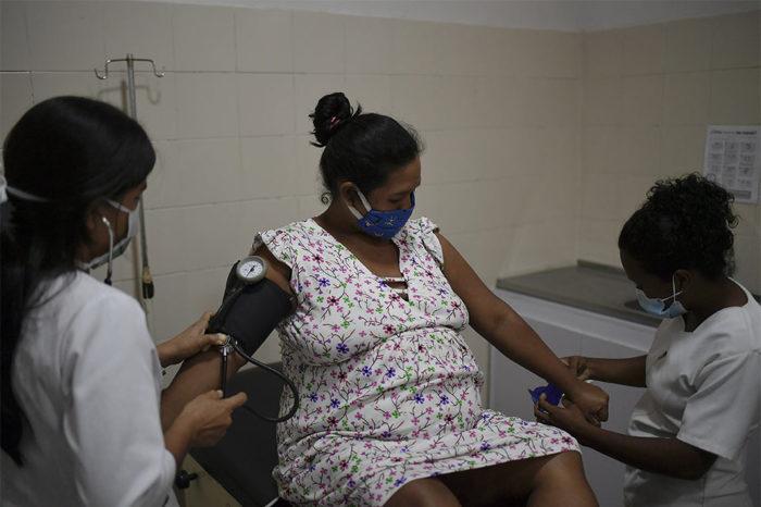 Médicos Sin Fronteras ofrece atención obstétrica en Sucre