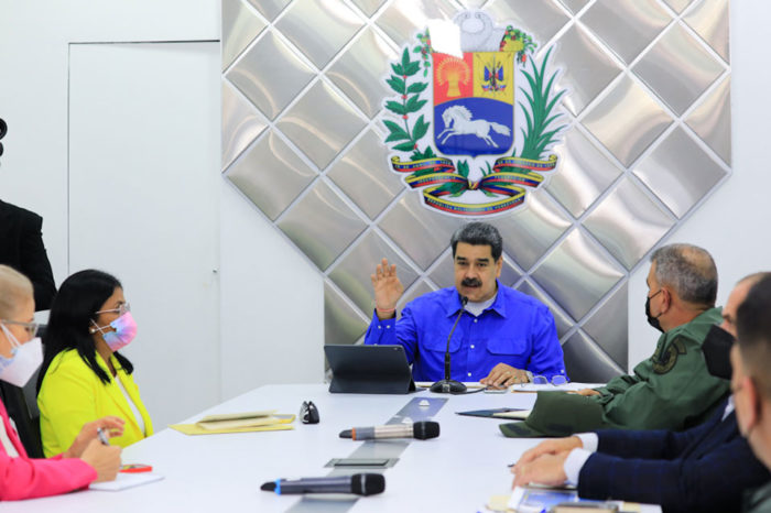 Maduro ofrece viviendas a damnificados de Mérida