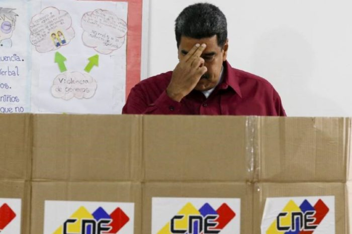 Maduro duda, luego teme