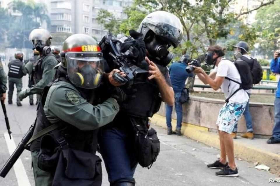 Redes Ayuda: Maduro incrementó la represión a la disidencia durante la pandemia