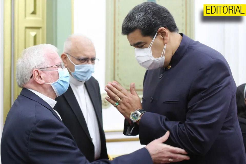 La única bendición que le interesa a Maduro es la de Padrino