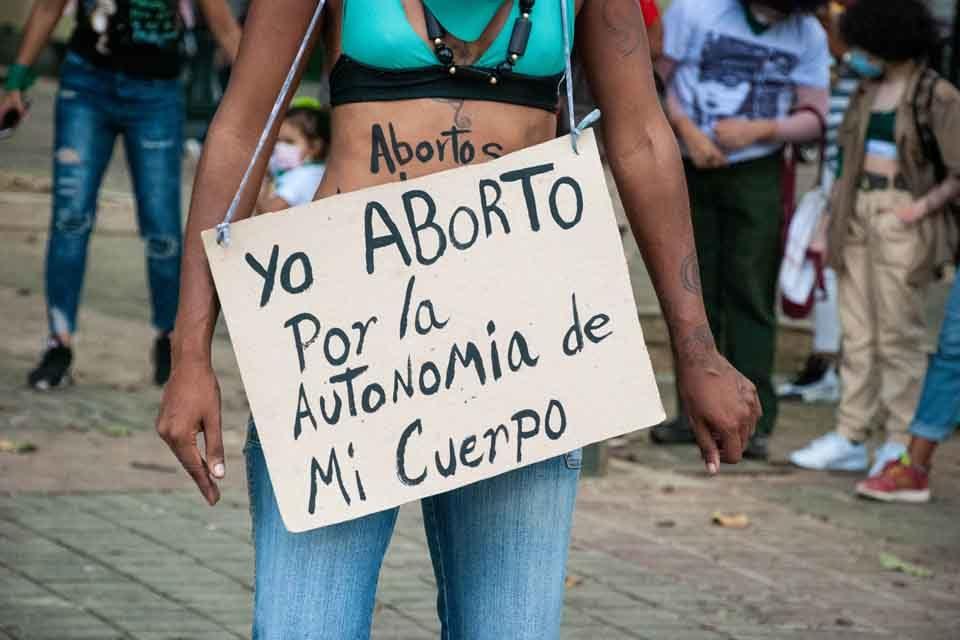 Los negociadores deben aprender de las mujeres en Venezuela, por M. Jiménez y A. Rosales