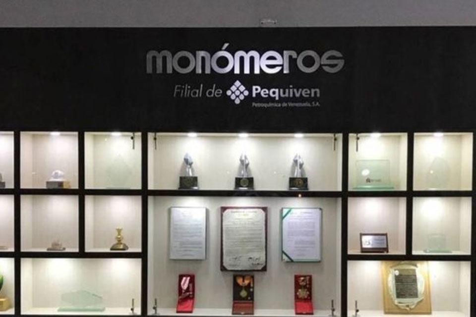 Renuncia presidenta de Monómeros