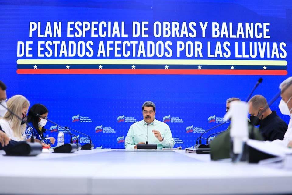 Nicolás Maduro evalúa peticiones de diálogo