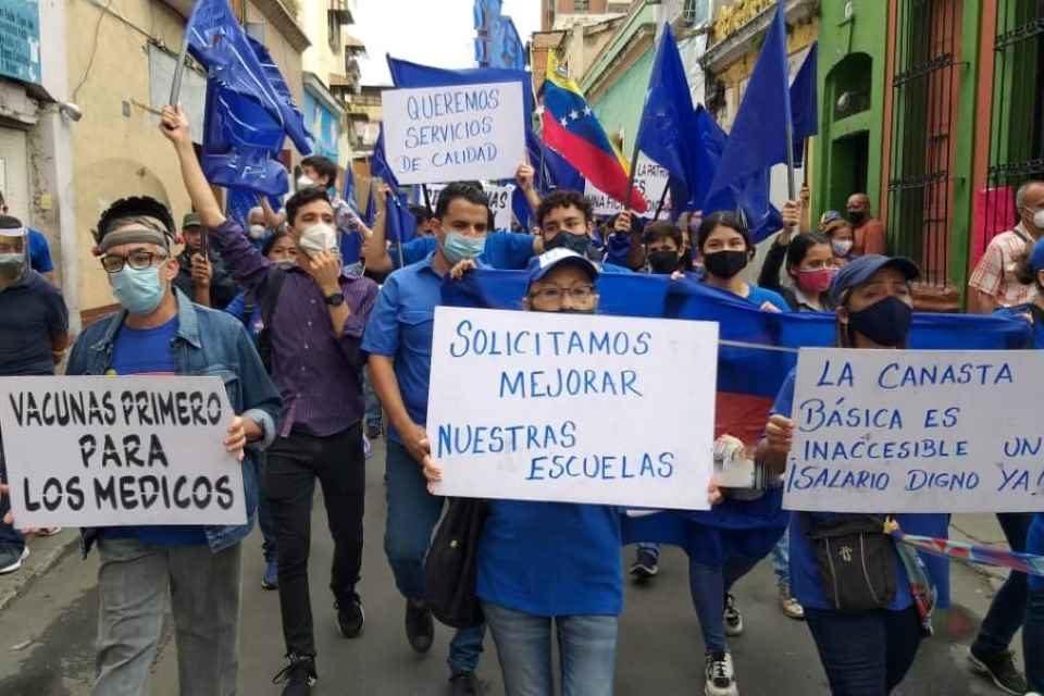 Si nos quedamos aquí no es para ser víctimas, por Beltrán Vallejo