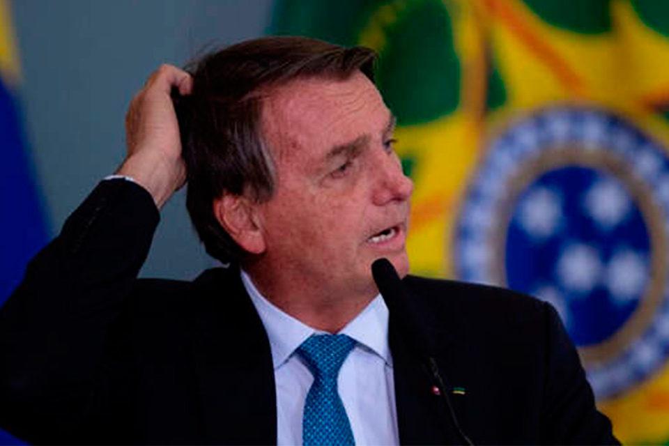 Con Bolsonaro: 1000 días de mentiras y una verdad, por Andrés del Río y André Rodrigues