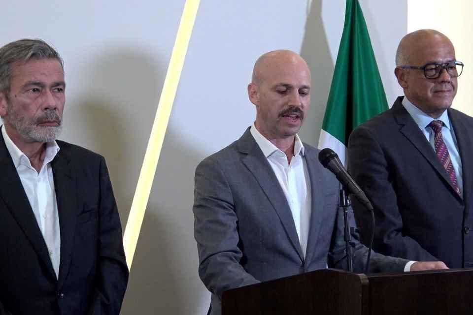 Si negociación en México lleva a un acuerdo sería en el largo plazo, advierten analistas