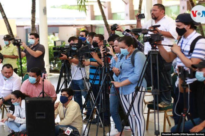 periodistas Nicaragua Houston Castillo Vado